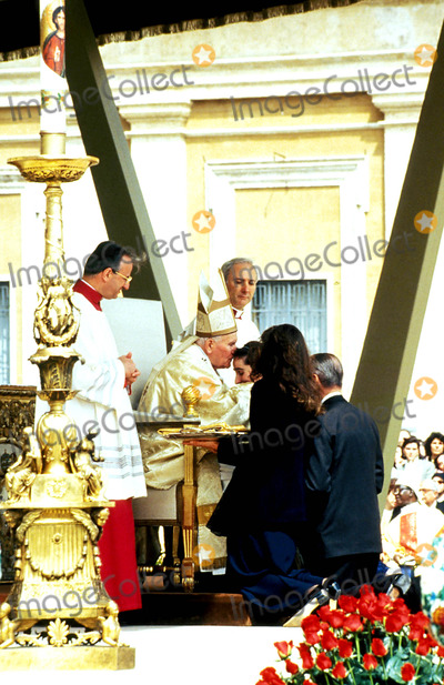John Paul Photo - Beretta Molla Gianna Beatification Pope John Paul Ii Photo Ipol  Globe Photos Inc