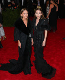 Ashley Olsen,Mary - Kate Olsen Photos - Photo by XPXstarmaxinccomSTAR MAX2015ALL RIGHTS RESERVEDTelephoneFax (212) 995-11965415Mary-Kate Olsen and Ashley Olsen at the 2015 Costume Institute Benefit Gala - China Through The Looking Glass(Metropolitan Museum of Art NYC)