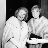 Greer Garson,Julie Andrews Photos - Greer Garson with Julie Andrews at the  Story  Premeire Supplied by Globe Photos Inc