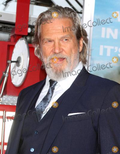 Jeff Bridges Photo - 08 October 2017 - Los Angeles California - Jeff Bridges Only The Brave Premiere held at the Regency Village Theatre in Los Angeles Photo Credit AdMedia