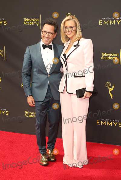 Lisa Kudrow Photo - 14 September 2019 - Los Angeles California - Dan Bucatinsky Lisa Kudrow 2019 Creative Arts Emmy Awards held at Microsoft Theater Photo Credit FSadouAdMedia