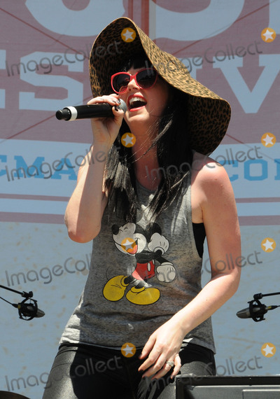 Shawna Thompson Photo - 10 June 2016 - Nashville Tennessee - Thompson Square Shawna Thompson 2016 CMA Music Festival Riverfront Stage Photo Credit Dara-Michelle FarrAdMedia
