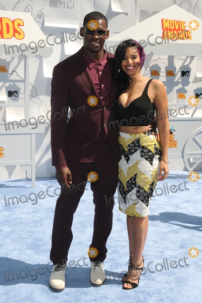 Aldon Smith Photo - 12 April 2015 - Los Angeles California - Aldon Smith Nessa 2015 MTV Movie Awards - Arrivals held at Nokia Theatre LA Live Photo Credit Byron PurvisAdMedia