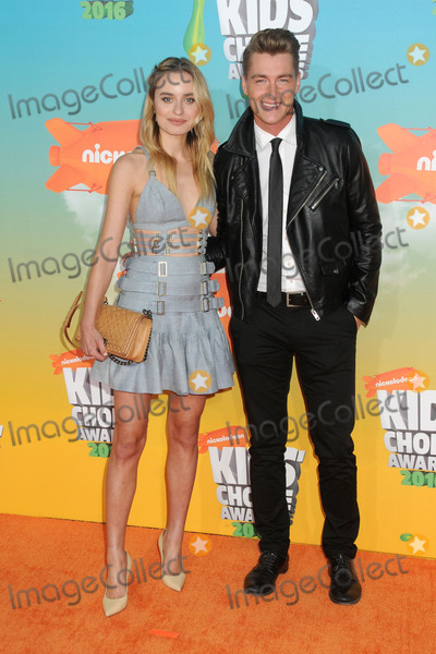 Alexey Vorobyov Photo - 12 March 2016 - Inglewood California - Sonya Esman Alexey Vorobyov 2016 Nickelodeon Kids Choice Awards held at The Forum Photo Credit Byron PurvisAdMedia