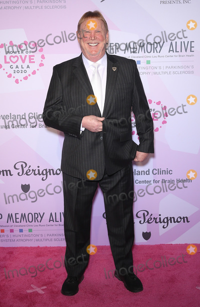 Neil Diamond Photo - 07 March 2020 - Las Vegas NV - Mark Davis  Keep Memory Alive Honors Neil Diamond at 24th Annual Power of Love Gala at MGM Grand Garden Arena Photo Credit MJTAdMedia
