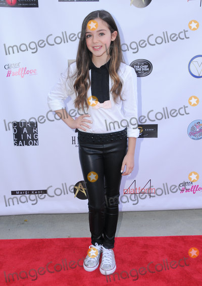 Alexa Nisenson Photo - 16 October 2016 - Beverly Hills California Alexa Nisenson Breaking The Chains Foundation And Glitter Magazine First Annual Fall Reception held at a Private Residence in Beverly Hills Photo Credit Birdie ThompsonAdMedia