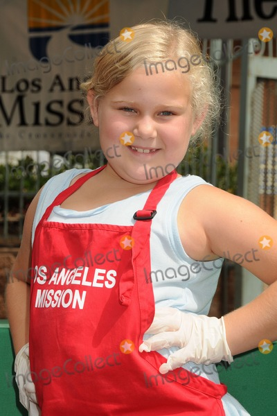 Allie Carlton Photo - 25 August 2012 - Los Angeles California - Allie Carlton Los Angeles Mission Summer Block Party for Skid Row Kids held at The LA Mission Photo Credit Byron PurvisAdMedia