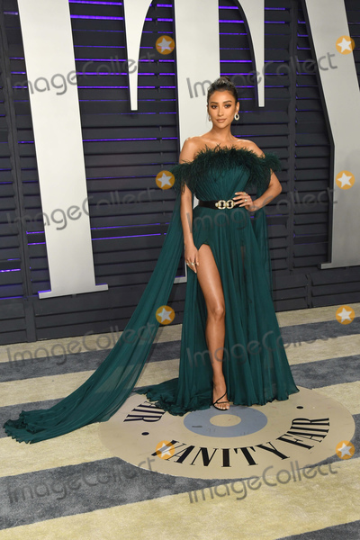 Shay Mitchel Photo - 24 February 2019 - Los Angeles California - Shay Mitchell 2019 Vanity Fair Oscar Party following the 91st Academy Awards held at the Wallis Annenberg Center for the Performing Arts Photo Credit Birdie ThompsonAdMedia
