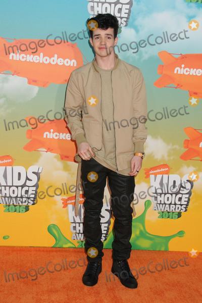 Aaron Carpenter Photo - 12 March 2016 - Inglewood California - Aaron Carpenter 2016 Nickelodeon Kids Choice Awards held at The Forum Photo Credit Byron PurvisAdMedia