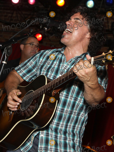 Pete Huttlinger Photo - July 26 2011 - Nashville TN - John Oates Artists musicians and songwriters came together at Mercy Lounge to help raise funds for Pete Huttlinger a widely respected guitarist and Nashville studio artist  Huttlinger has a congenital heart disease and is in need of a heart transplant Photo credit Dan HarrAdmedia