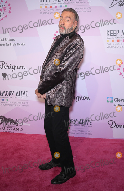 Neil Diamond Photo - 07 March 2020 - Las Vegas NV - Neil Diamond  Keep Memory Alive Honors Neil Diamond at 24th Annual Power of Love Gala at MGM Grand Garden Arena Photo Credit MJTAdMedia