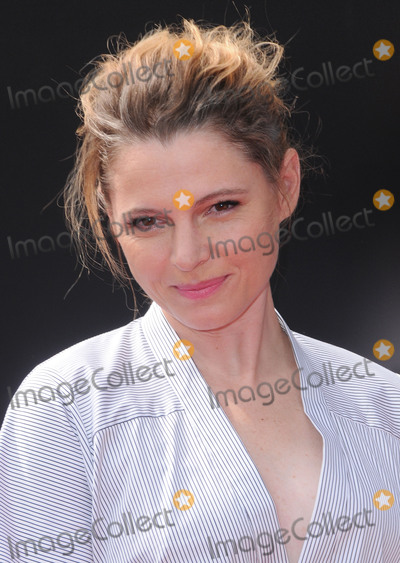 Amy Seimetz Photo - 17 May 2017 - Hollywood California - Amy Seimetz Sir Ridley Scott Hand And Footprint Ceremony at the TCL Chinese Theatre IMX Forecourt in North Hollywood Photo Credit Birdie ThompsonAdMedia