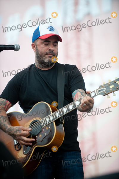 Aaron Lewis Photo - 07 June 2013 - Nashville TN - Aaron Lewis 2013 CMA Music Festival Daytime performances held at the Riverfront Stage Photo Credit Ryan PavlovAdMedia