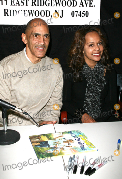 Tony Dungy Photo - 17 January 2011 - Ridgewood New Jersey  Tony Dungy and Lauren Dungy  Tony and Lauren Dungy signs copies of their new book You Can Be A Friend at Book-Ends Photo Paul ZimmermanAdMedia