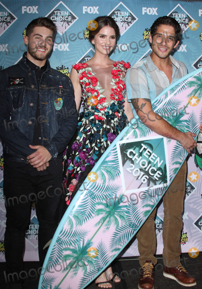 Tyler Posey Photo - 31 July 2016 - Inglewood California - Cody Christian Shelley Hennig and Tyler Posey Teen Choice Awards 2016 held at The Forum Photo Credit AdMedia
