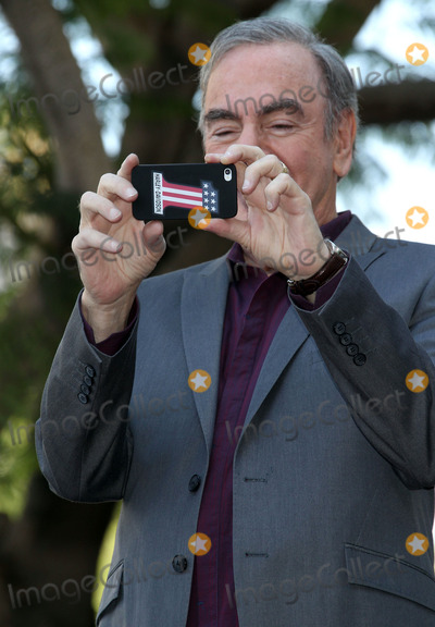 Neil Diamond Photo - 10 August 2012 - Hollywood California - Neil Diamond Neil Diamond is honored with the 2465th star on the Walk of Fame from The Hollywood Chamber of Commerce as he celebrates the 40th anniversary of his Hot August Night Album Photo Credit Russ ElliotAdMedia