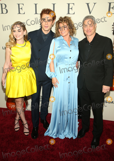 Gary Sinise Photo - 7  March 2020 - Hollywood California - Britt Robertson KJ Apa Shania Twain Gary Sinise Premiere Of Lionsgates I Still Believe  held at The ArcLight Cinemas Photo Credit FSAdMedia