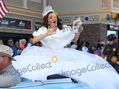 Alaska  Photo - 09 September 2017 - Atlantic City NJ-  Miss Alaska Angelina Klapperich  2018 Miss America Pageant Show Us Your Shoes Parade on the Atlantic City Boardwalk  Photo Credit MJTAdMedia