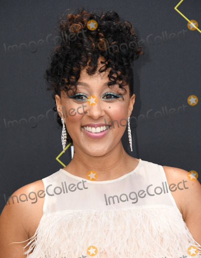 Tamera Mowry Photo - 10 November 2019 - Santa Monica California - Tamera Mowry-Housley 2019 Peoples Choice Awards held at Barker Hangar Photo Credit Birdie ThompsonAdMedia