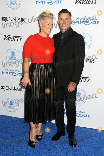 Carey Hart Photo - 8 October 2015 - Santa Monica California - Pink Alecia Moore Carey Hart Autism Speaks To Los Angeles Celebrity Chef Gala held at Barker Hangar Photo Credit Byron PurvisAdMedia