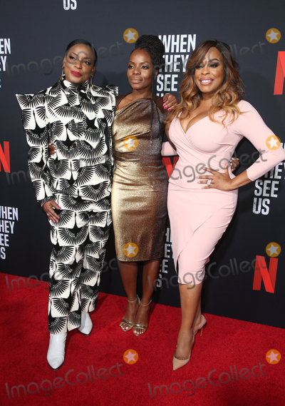 Aunjanue Ellis Photo - 11 August 2019 - Los Angeles California - Aunjanue Ellis Marsha Stephanie Blake Niecy Nash When They See Us for your consideration Los Angeles 2019 - Day 1 held at Paramount Theatre Photo Credit FSadouAdMedia