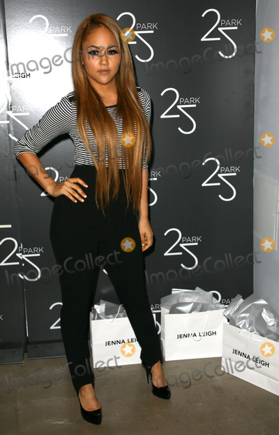 Kat DeLuna Photo - 03 February 2011 - New York NY - Kat DeLuna  Lingerie designer Jenna Leigh and 25 Parks Alison Brettschneider unveil an intimate trunk show Photo Paul ZimmermanAdMedia