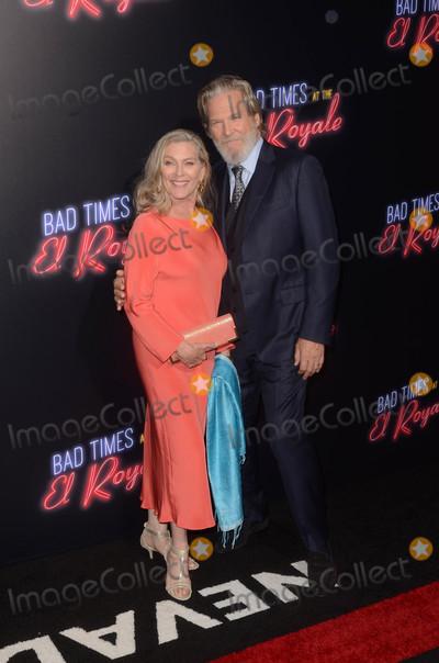 Jeff Bridges Photo - Susan Geston Jeff Bridgesat the Bad Times at the El Royale Global Premiere TCL Chinese Theater Hollywood CA 09-22-18