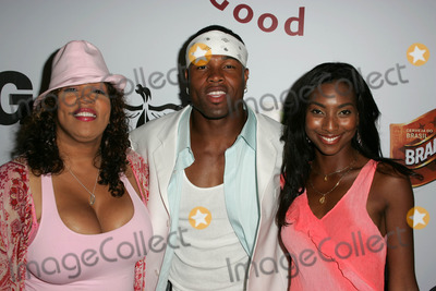 Napiera Groves Photo - Kym Whitley Akin Ayodle and Napiera Grovesat the LG Mobile Phones Post-BET Party Forbidden City Hollywood CA 06-28-05