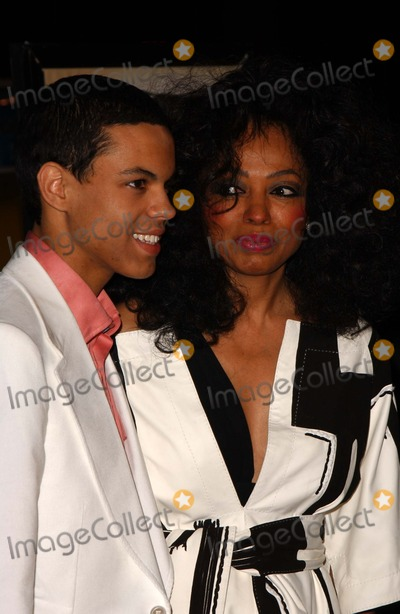 ATL Photo - Evan Ross Naess and Diana Rossat the Los Angeles Premiere of ATL Graumans Chinese Theatre Hollywood CA 03-30-06
