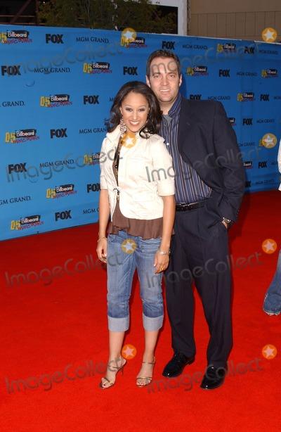 Tamera Mowry Photo - Tamera Mowry and friendarriving at the 2005 Billboard Music Awards MGM Grand Las Vegas NV 12-06-05
