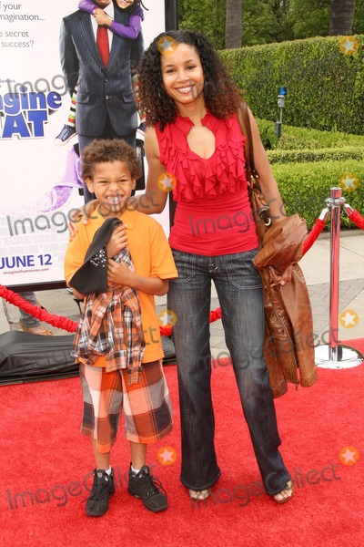 Mari Morrow Photo - Mari Morrow and son Rob at the Los Angeles Premiere of Imagine That Paramount Pictures Hollywood CA 06-06-09