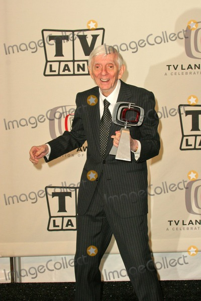 Aaron Spelling Photo - Aaron Spelling at the 2005 TV Land Awards Pressroom Barker Hanger Santa Monica CA 03-13-05