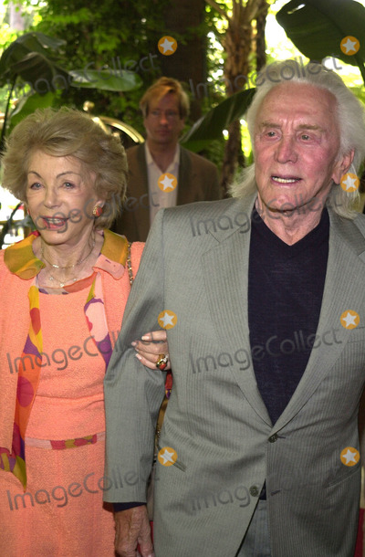 Anne Douglas Photo - Kirk and Anne Douglas at the Hollywood Foreign Press Association Installation Luncheon Beverly Hills Hotel 07-18-01