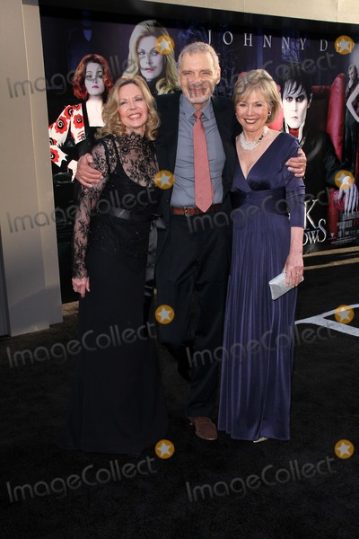 Kathryn Leigh Scott Photo - Lara Parker David Selby Kathryn Leigh Scottat the Dark Shadows Los Angeles Premiere Chinese Theater Hollywood CA 05-07-12