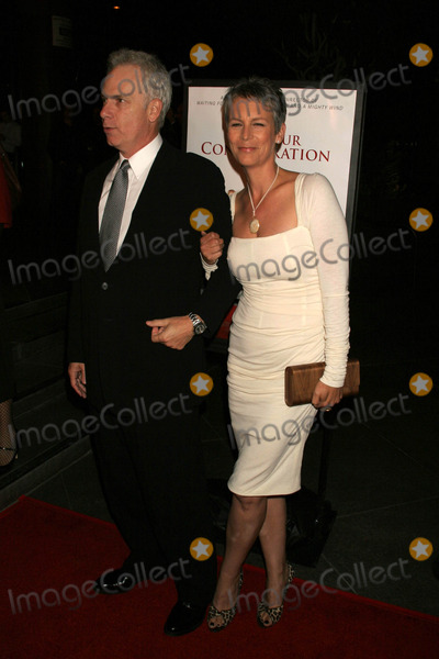 Jamie Lee Curtis Photo - Christopher Guest and Jamie Lee Curtisat the Los Angeles Premiere of For Your Consideration Directors Guild of America Los Angeles CA 11-13-06