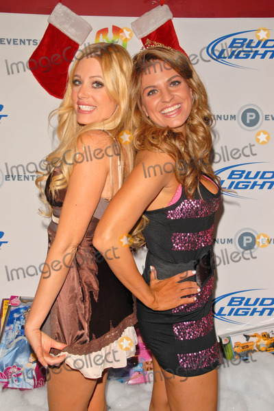 Holly King Photo - Holly King and Bridgetta Tomarchio at Bridgetta Tomarchio B-Day Bash and Babes in Toyland Toy Drive Lucky Strike Hollywood CA 12-04-09