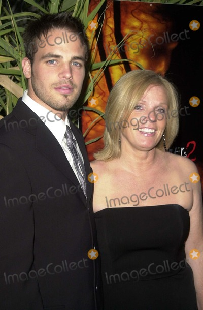 Al Santos Photo - Al Santos and mom Nancy at the Los Angeles Premiere of United Artists Jeepers Creepers 2 at the Egyptian Theater Hollywood CA 08-25-03