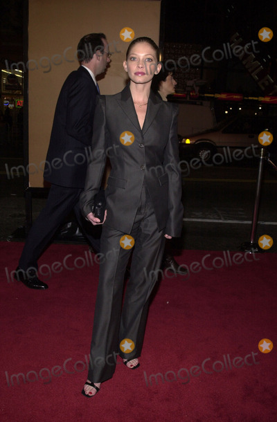Amanda Detmer Photo - Amanda Detmer at the premiere of The Majestic at the Chinese Theater Hollywood 12-11-01