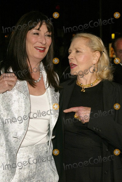 Herb Ritts Photo - Anjelica Huston and Lauren Bacall at the 2005 Rodeo Drive Walk of Style Awards honoring Herb Ritts and Mario Testino Rodeo Drive Beverly Hills CA 03-20-05