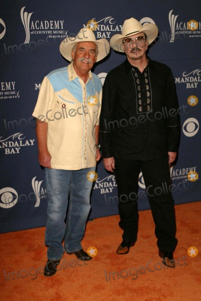 The Bellamy Brothers Photo - The Bellamy Brothers at the 39th Annual Academy of Country Music Awards at the Mandalay Bay Resort and Casino Las Vegas NV 05-26-04