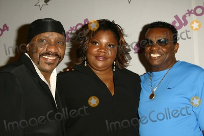 Ernie Isley Photo - Ernie Isley MoNique and Ronald Isley at the 2004 BET Awards Nominees Announcement Renaissance Hotel Hollywood CA 05-12-04