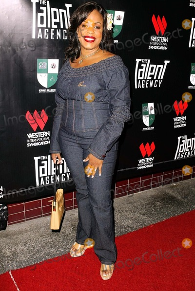 Niecy Nash Photo - Niecy Nash at the launch party for the new show The Talent Agency at The Forbidden City Hollywood CA 10-05-03