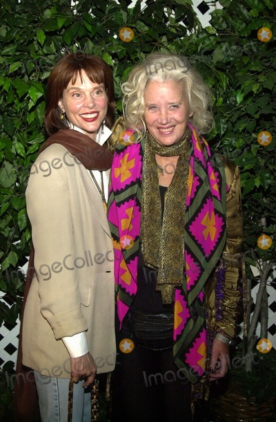Leigh Taylor-Young Photo - Leigh Taylor Young and Sally Kirkland at the Style By The Shore outdoor concert and fashion show to benefit Heal The Bay Dean Martin Estate Malibu CA 10-12-02