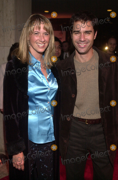 ABBA Photo - Eric McCormack and Janet Holden at the premiere of MAMA MIA the musical based on the songs of ABBA Schubert Theater Century City 02-26-01