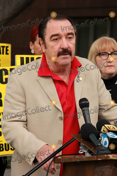 Casey Kasem Photo - Logan Clarkeat Casey Kasems Family Press Conference Stanley Mosk Courthouse Los Angeles CA 01-30-15
