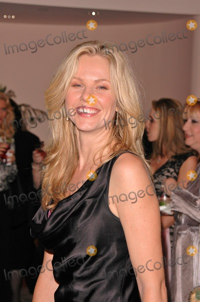 Andrea Roth Photo - Andrea Roth at the 5th Annual Lupus LA Gala An Evening of Love Light  Laughter at the Beverly Hills Hotel Beverly Hills CA 10-08-04