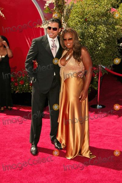 Al Reynolds Photo - Star Jones and Al Reynolds at the 56 Annual Primetime Emmy Awards at The Shrine Auditorium Los Angeles CA 09-19-04
