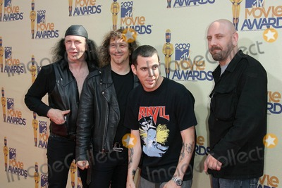 Anvil Photo - Steve-O and Anvil at the 2009 MTV Movie Awards Arrivals Gibson Amphitheatre Universal City CA 05-31-09