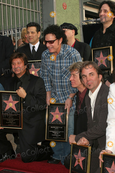Steve Perry Photo - Steve Perry Robert Fleischman Neal Schon Ross Valory Jonathan Cain and Deen Castronovo at Journeys induction into the Hollywood Walk of Fame Hollywood Blvd Hollywood CA 01-21-05