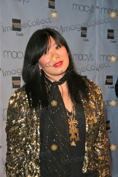 Anna Sui Photo - Anna Sui at the Macys and American Express Passport Gala Barker Hanger Santa Monica CA 09-30-04